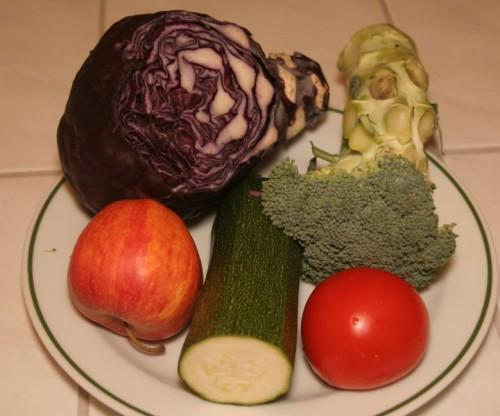 Kopūstų salotos ir avinžirnių humus